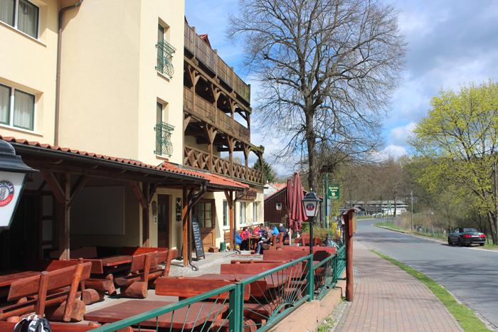 Die Sonnenterrasse des Jägerheims in Ützdorf: Hier kann man es sich schmecken lassen