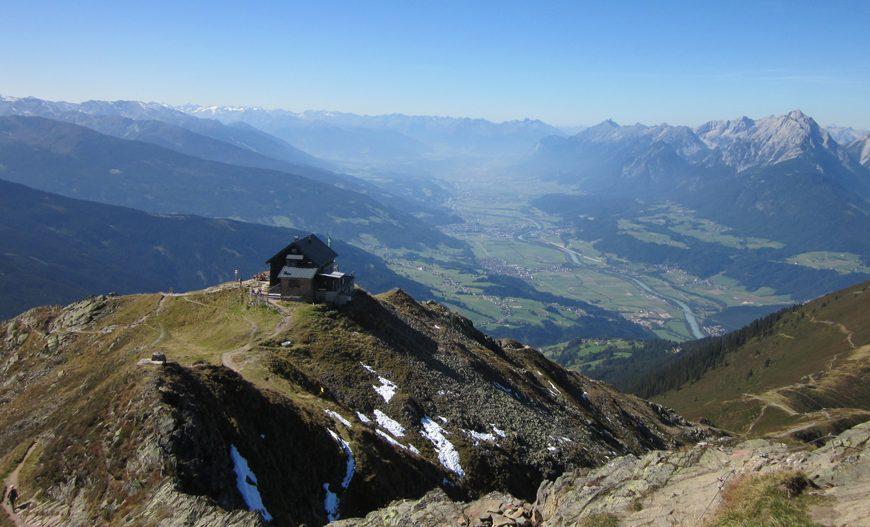 Blick auf die Kellerjochhütte Zillertal