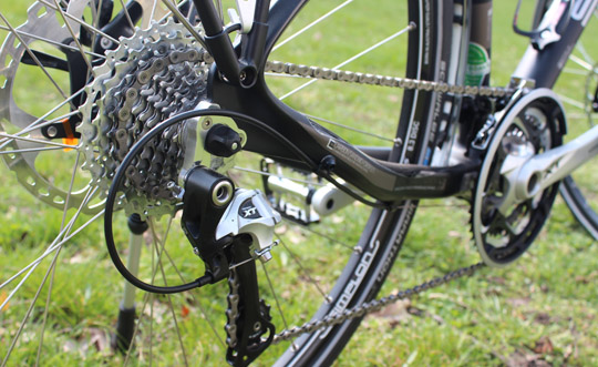 Foto von der Shimano XT Schaltung am Simplon Silk Carbon Trekkingrad für Herren