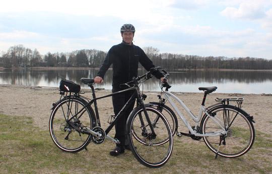 Foto von den Simplon-Trekkingrädern am Gorinsee in Bernau