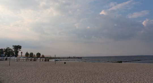 Blick vom Strandidyll auf das Haff: Schnell noch Abendessen bevor der Regen kommt