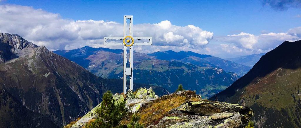 Gipfelkreuz des Gaulkopfes im Zillertal