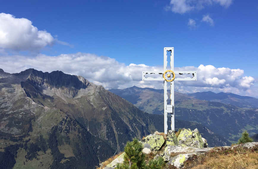 Gaulkopf im Zillertal Gipfelkreuz