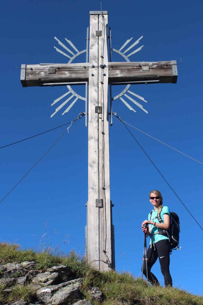 Gedrechter Gipfelkreuz