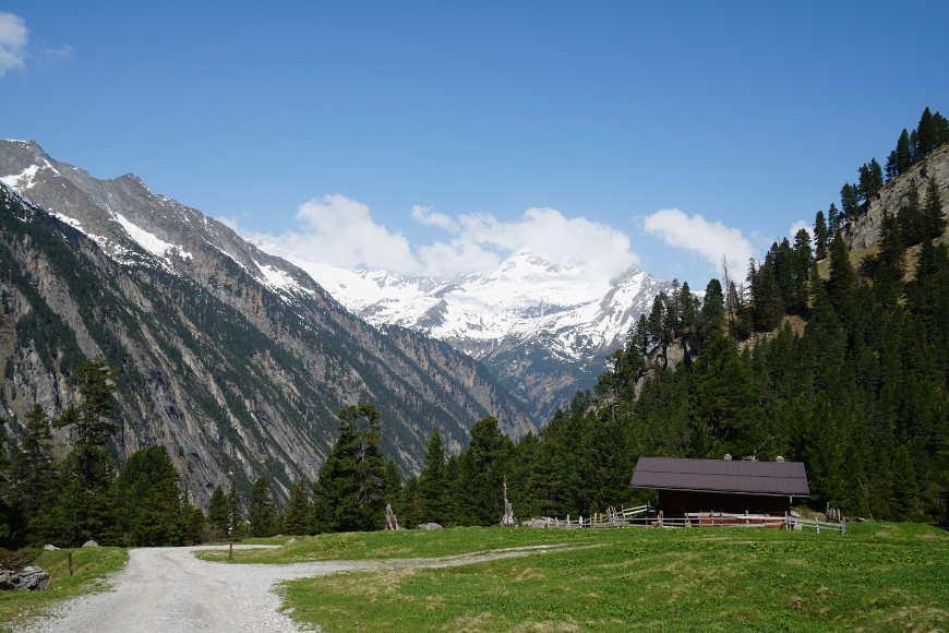 Der Zemmgrund im Zillertal: Blick auf die Grawandalm