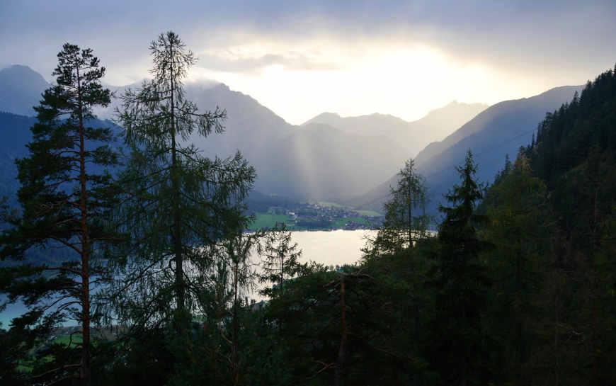 Achensee im Zillertal: Blick beim Aufstieg auf die Buchauer Alm