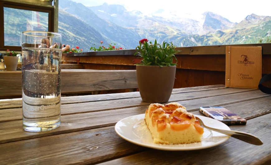 Kuchen Terrasse Bichlalm Hintertux Zillertal