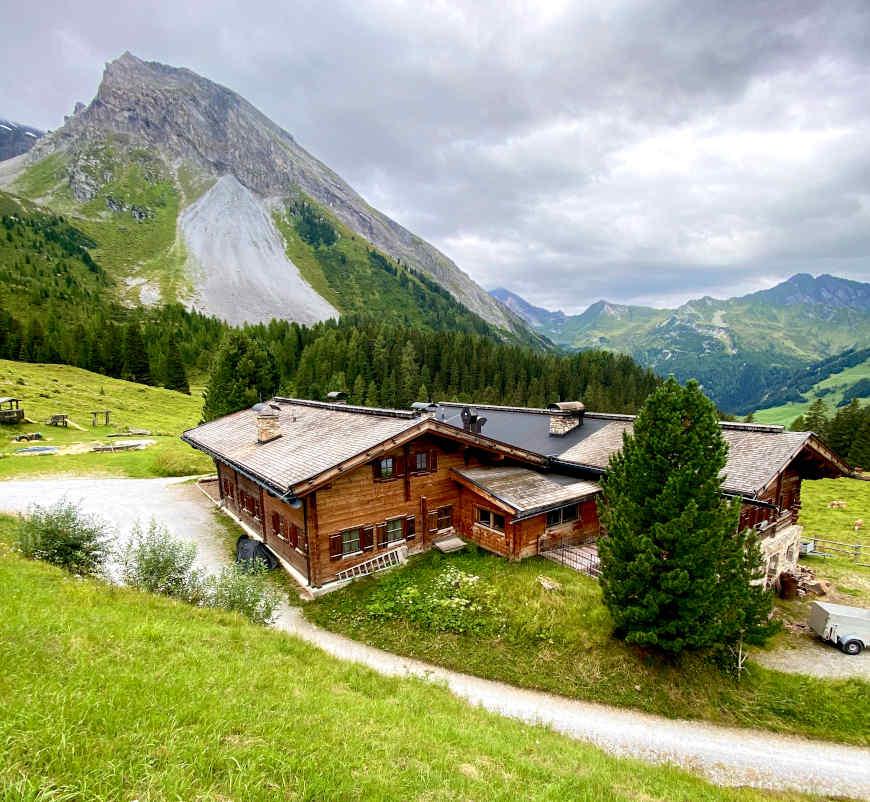 Grieralm Blick auf Hütte